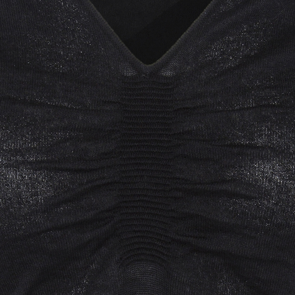 Ripple V-neck bone back DETAIL