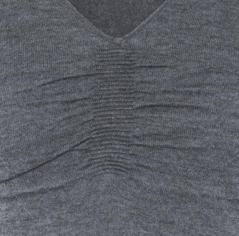 Ripple V-neck charcoal detail