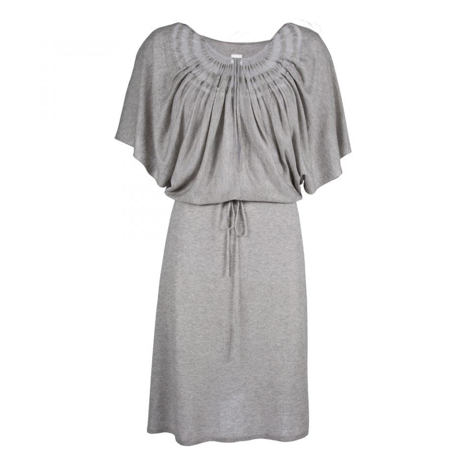 wingdress_grey_front_neck