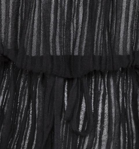 detail tie